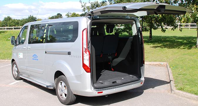 8-seater-taxi-newbury-thatcham-1