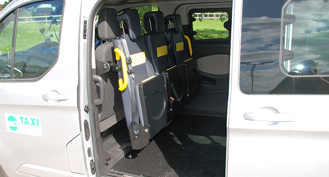 8-seater-taxi-newbury-thatcham-4